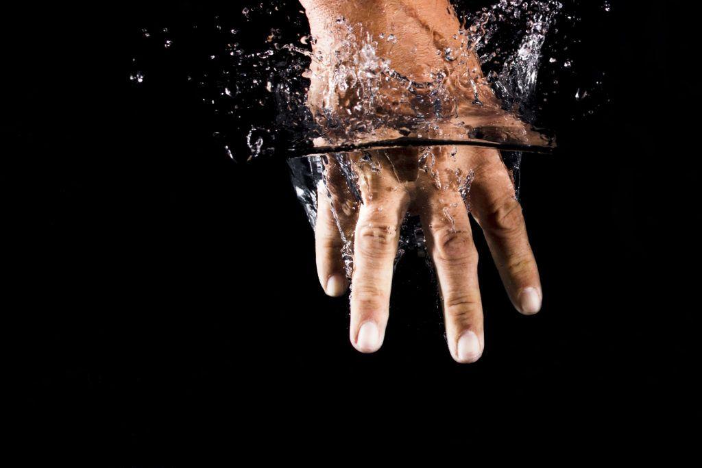 resucitar el móvil del agua